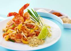 Thai Fried Noodles with Prawns (Pad Thai)