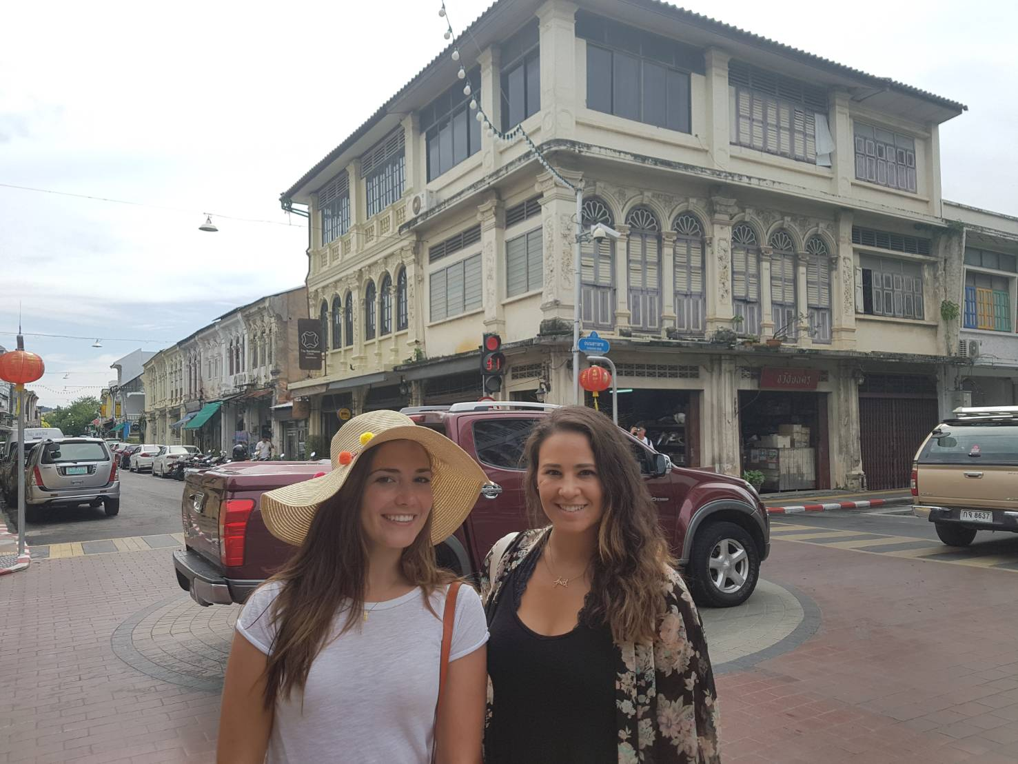 Phuket Sighseeing Oldtown + Aquarium + Tricleye